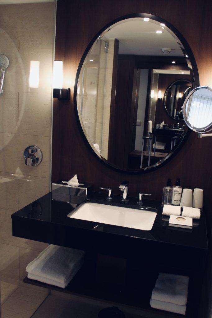 Ameron Hotel Badezimmer